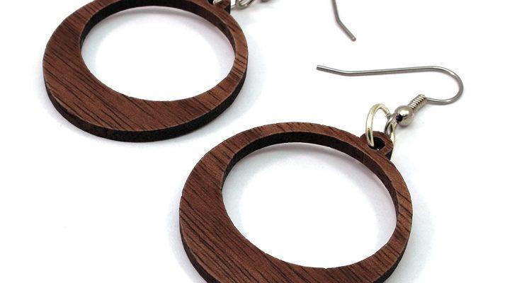 Comment nettoyer des boucles d'oreille en bois ?